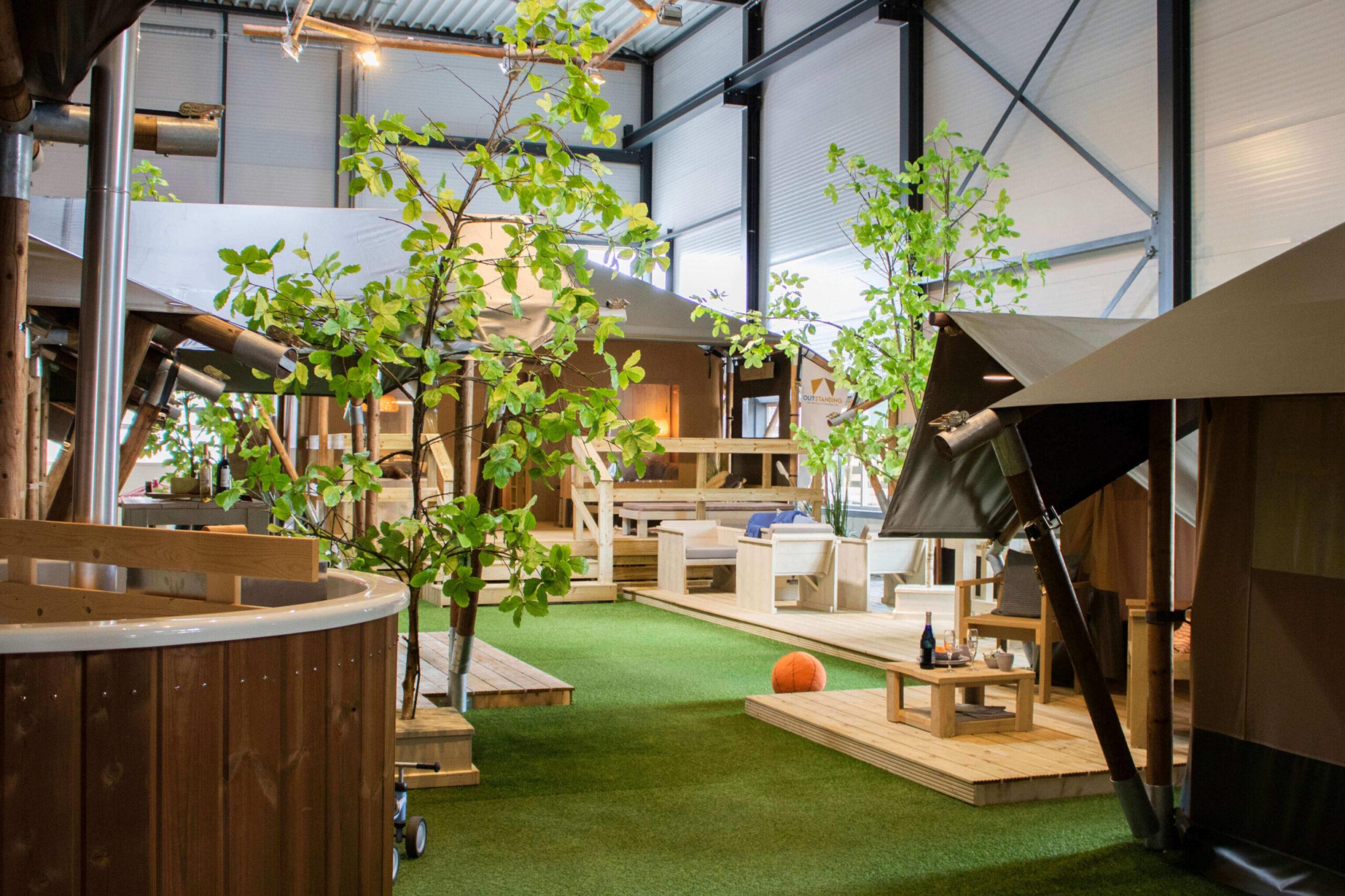Outstanding Showroom